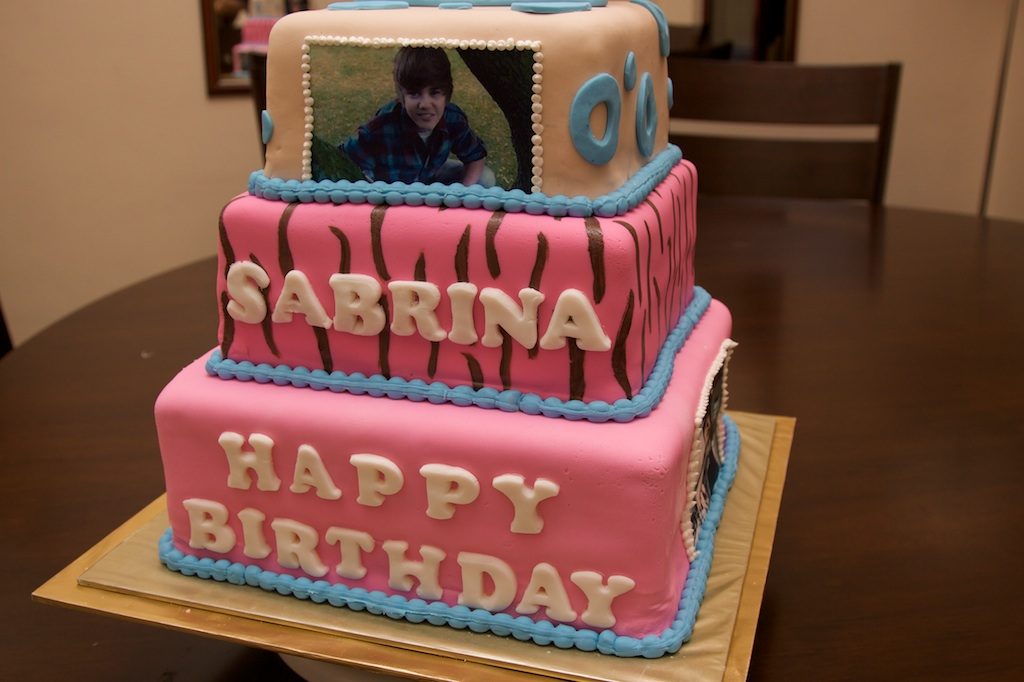 Justin Bieber birthday cake for Sabrina MiddletonDresscom This