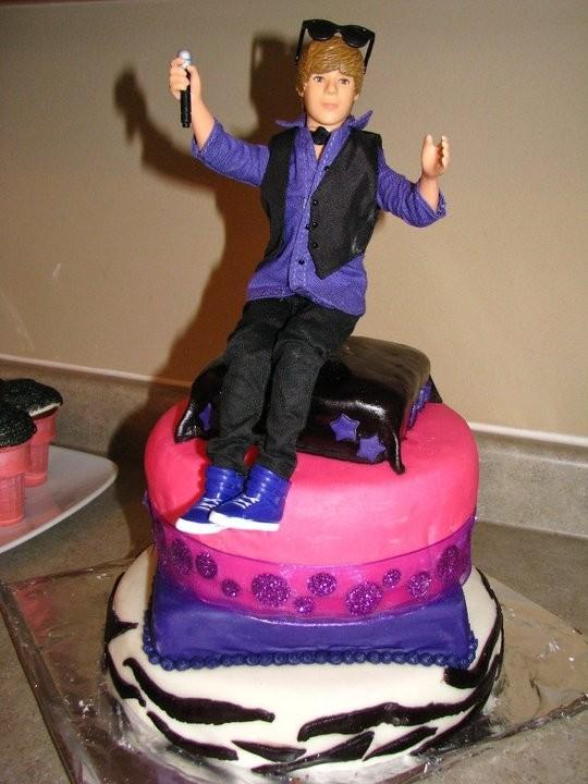 Justin Bieber birthday cakes